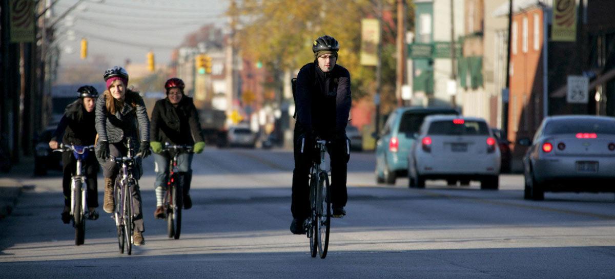 Il ciclista deve tenere un comportamento prudente