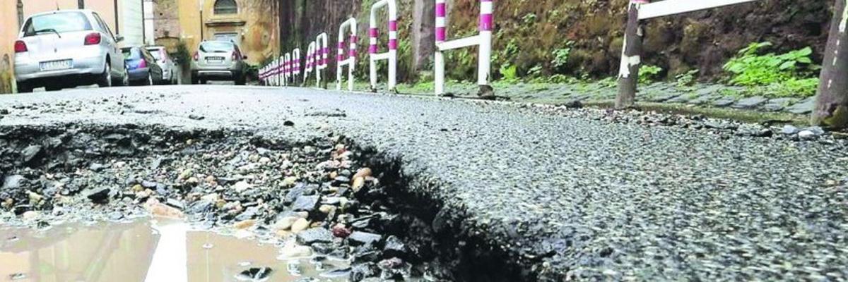 Danno per mancata manutenzione delle strade: come ottenere il risarcimento