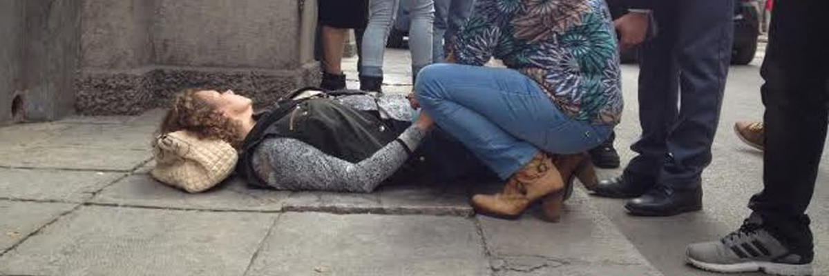 Caduta sul marciapiede, chi paga?