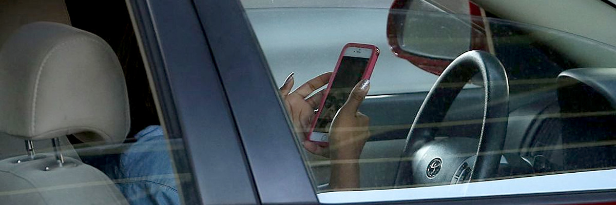 Divieto di guida col cellulare: pattuglie in borghese per individuare i trasgressori